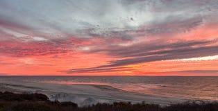 Salida del sol del Golfo de México imagenes de archivo