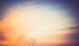 Salida del sol hermosa del cielo de las nubes Foto de archivo
