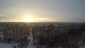 Salida del sol hermosa del invierno sobre Dnepr Timelapse almacen de metraje de vídeo