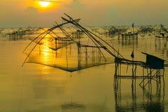 Salida del sol hermosa en la granja del pescador Imagen de archivo