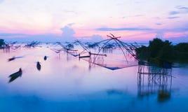 Salida del sol hermosa en la granja del pescador Imagenes de archivo
