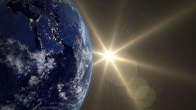 Salida del sol hermosa sobre la tierra Transición a partir de la noche al día V 4 ilustración del vector