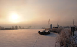 Salida del sol holandesa del invierno foto de archivo libre de regalías