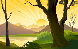 Salida del sol lateral del país entre las pequeños colinas y río Imagen de archivo libre de regalías