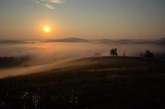 Salida del sol mística fotografía de archivo libre de regalías