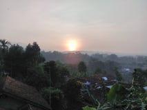 Salida del sol, mañana del tejado Foto de archivo
