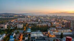 Salida del sol maravillosa en la capital de Eslovaquia Foto de archivo libre de regalías