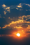Salida del sol nublada Fotografía de archivo