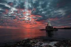 Salida del sol nublada, Bulgaria Fotografía de archivo