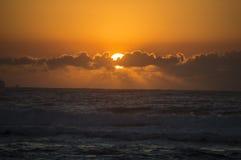 Salida del sol nublada de Durban fotos de archivo