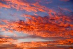 Salida del sol nublada dramática Fotografía de archivo libre de regalías