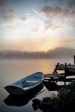 Salida del sol por el lago Imagen de archivo