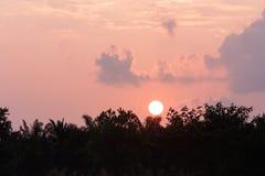 Salida del sol por la mañana Fotografía de archivo
