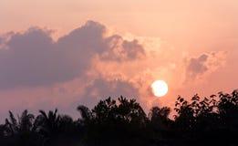 Salida del sol por la mañana Fotos de archivo