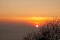Salida del sol por la mañana Foto de archivo libre de regalías