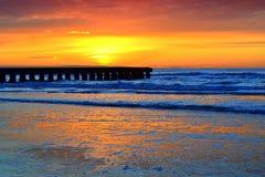 Salida del sol preciosa del mar adriático Foto de archivo
