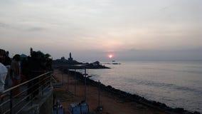 Salida del sol, puesta del sol, comorin del cabo, Kanyakumari, Tamilnadu Foto de archivo libre de regalías