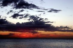 Salida del sol roja Imagenes de archivo