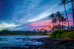 Salida del sol rosada, bahía del napili, Maui, Hawaii Imagen de archivo
