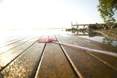 Salida del sol sobre balsa Foto de archivo