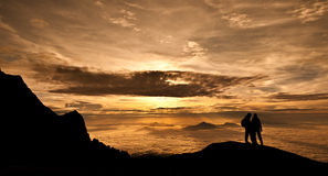 Salida del sol sobre Borneo Imagen de archivo