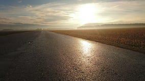 Salida del sol sobre campos en Baviera fotos de archivo libres de regalías