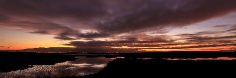 Salida del sol sobre el Baylands Foto de archivo