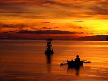 Salida del sol sobre el horizonte, Filipinas Imágenes de archivo libres de regalías
