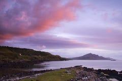 Salida del sol sobre el lago escocés Foto de archivo