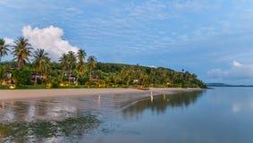 Salida del sol sobre el mar de Andaman Imágenes de archivo libres de regalías
