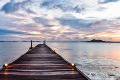 Salida del sol sobre el mar de Andaman Foto de archivo libre de regalías
