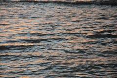 Salida del sol sobre el Pacífico Foto de archivo libre de regalías