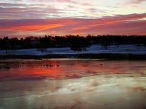 Salida del sol sobre el puerto de Southport, Connecticut Foto de archivo libre de regalías
