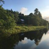 Salida del sol sobre el río perdido Imagenes de archivo