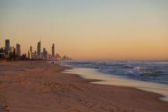 Salida del sol sobre Gold Coast, Australia Fotos de archivo