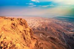 Salida del sol sobre la fortaleza de Masada Imagenes de archivo