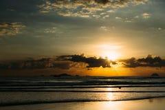 Salida del sol sobre la red de pesca 2 imágenes de archivo libres de regalías