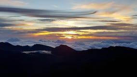 Salida del sol sobre las nubes foto de archivo libre de regalías