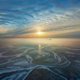 Salida del sol sobre las nubes Fotos de archivo