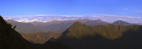 Salida del sol sobre los Andes Imagenes de archivo