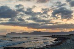 Salida del sol sobre Mallorca del noreste Imágenes de archivo libres de regalías