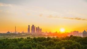 Salida del sol sobre Moscú almacen de metraje de vídeo