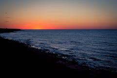 Salida del sol sobre Océano Atlántico Fotos de archivo