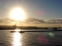 Salida del sol sobre puerto comercial del Caribe Fotografía de archivo