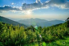 Salida del sol sobre Ridge Mountains azul Fotografía de archivo libre de regalías