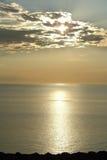 Salida del sol sobre superior de lago Fotos de archivo