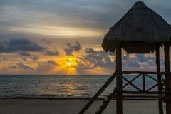 Salida del sol tropical Imágenes de archivo libres de regalías