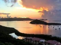 Salida del sol tropical en colores pastel imagen de archivo