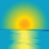 Salida del sol y océano Fotos de archivo libres de regalías