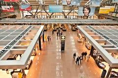 Salida Pasillo en el aeropuerto Fotos de archivo